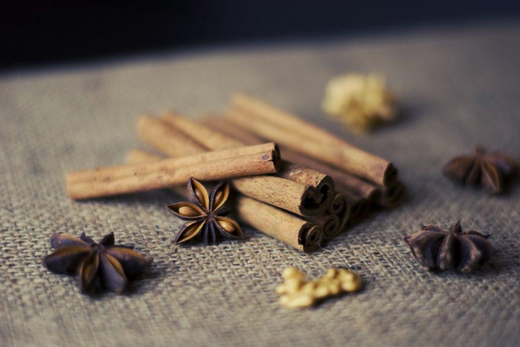 cinnamon-sticks-925626_1280